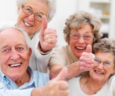 retraités heureux