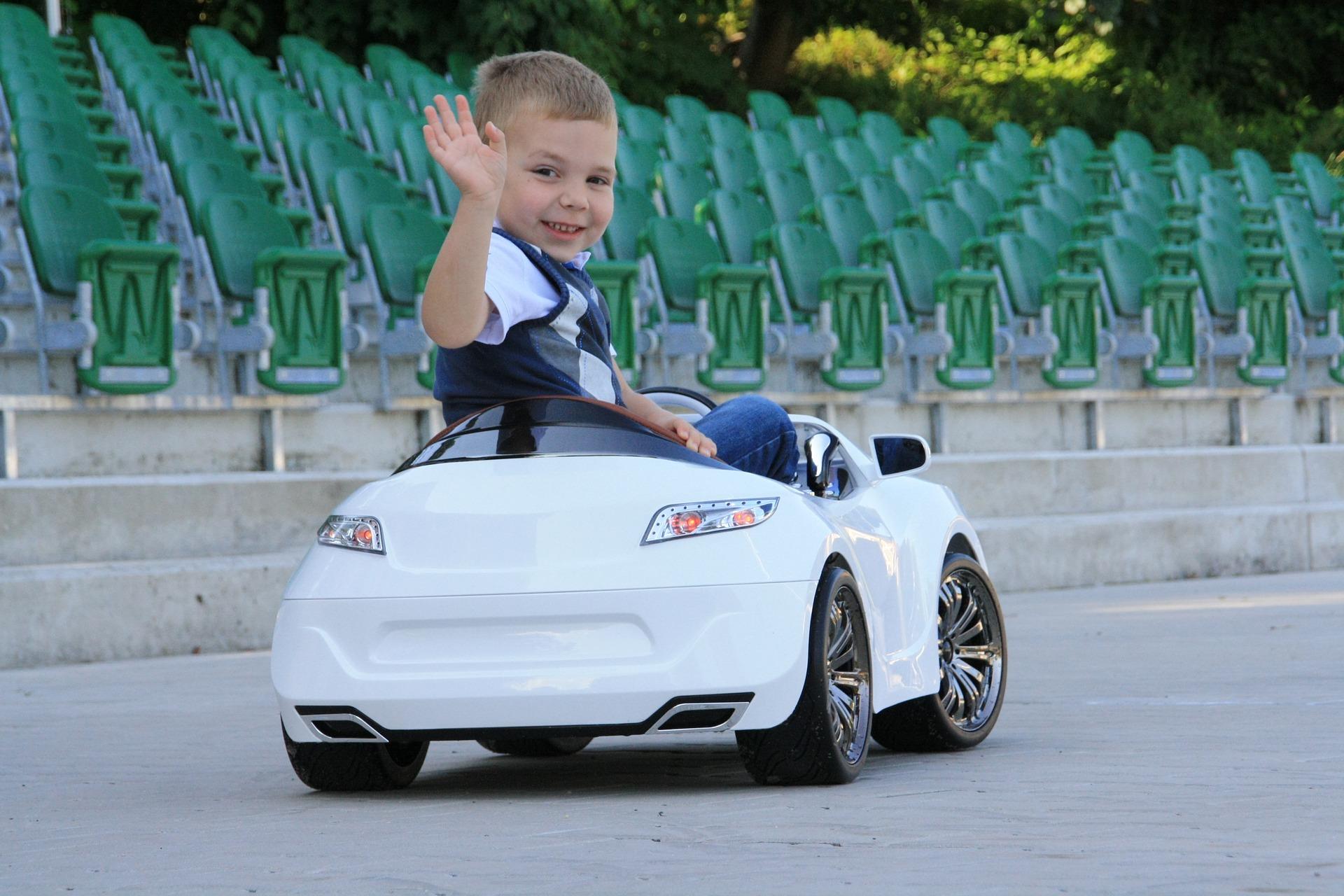 Voiture électrique enfant : Pourquoi acheter une voiture pour enfant ?